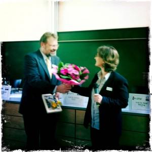 Preisüberreichung durch Prof. Dr. Thomas Goll, den Sprecher der GPJE, bei der GPJE-Tagung in Hannover am 14.6.2013
