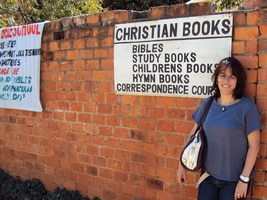 Ranka Primorac next to Christian Bookshop Sign 2010 © Ranka Primorac